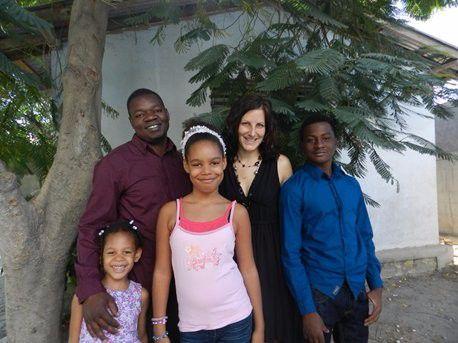 Unsere Missionarsfamilie kommt auf Heimaturlaub